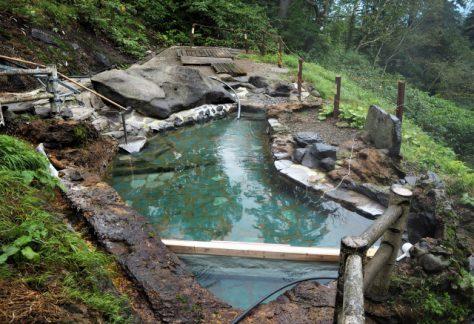 野天風呂/自然の中にあり、屋根が無い風呂